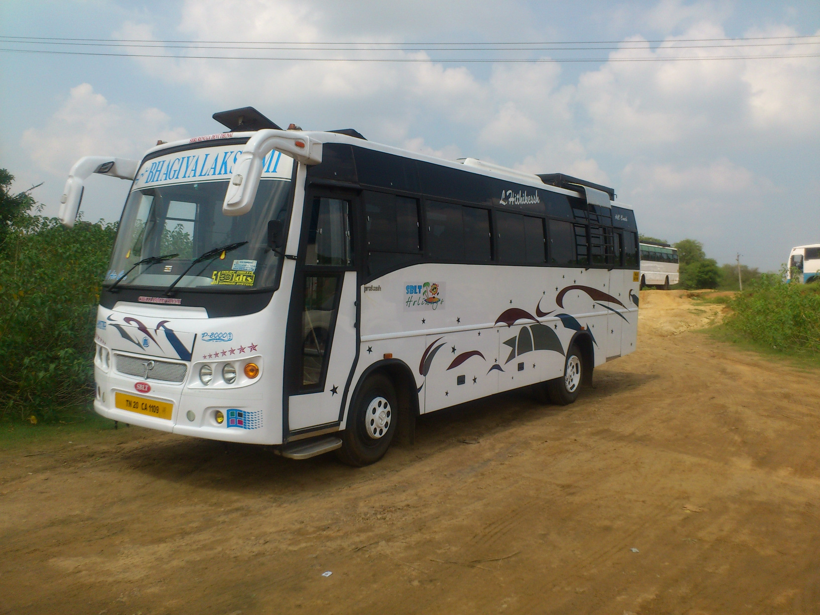 Sblt 30 Seater Side View 1